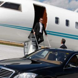 The Benefits of an Airport Limousine