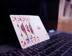 How the internet has helped online casinos.