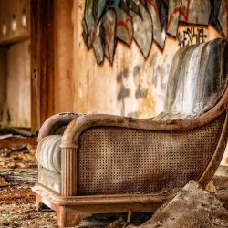 Find Out Your Options to Dispose of Old Furniture