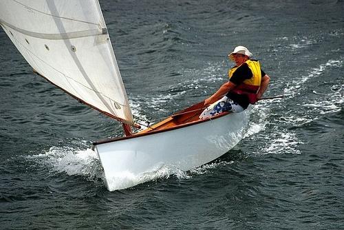 lightweight-goat-island-skiff-modern-sailing-performance