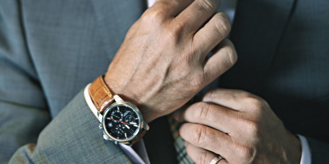 watch-snob-watch-etiquette-1092999-TwoByOne