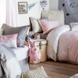 How to Make a Dorm Room Feel Like Home