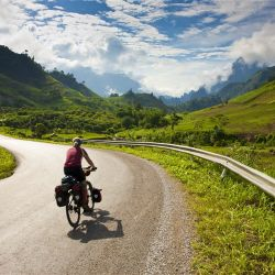 A GUIDE TO ROAD TRIP IN LAOS