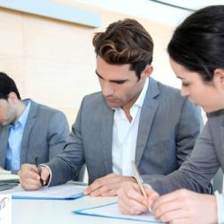 Browsing for an Executive Resume Writing Service Online? Read this First